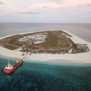 Raine-Island-Barge